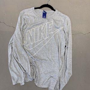 Nike lightweight long sleeve top